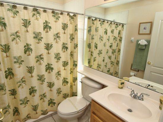 HR5P407PD-Shared-Bathroom