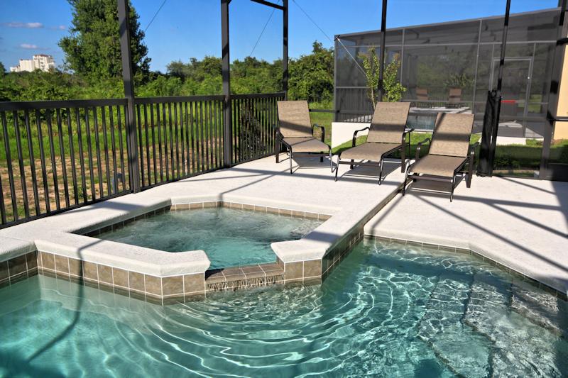 27 Pool Deck.jpg