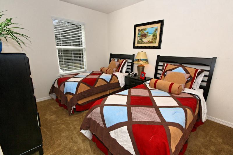 13-Twin_Bedroom_0921.jpg