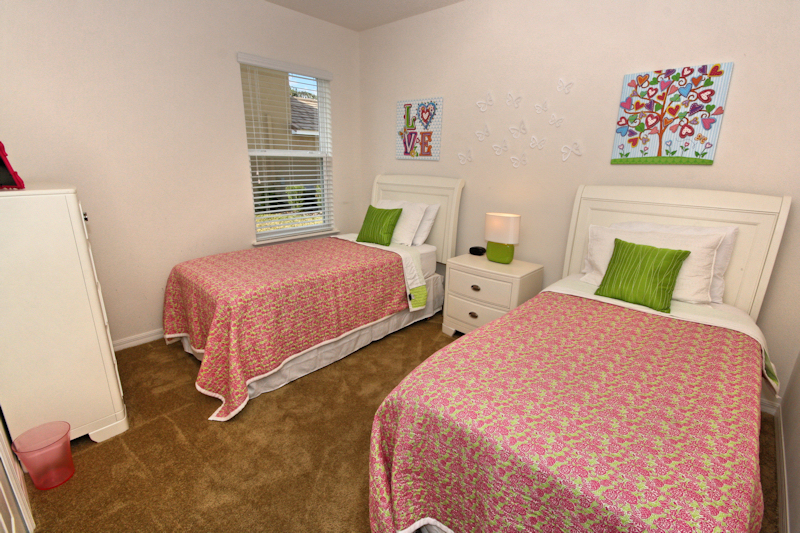 14-Twin_Bedroom_0921.jpg