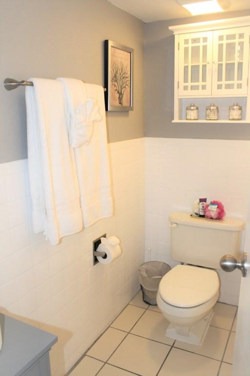 Casa Sea Esta Bath with storage