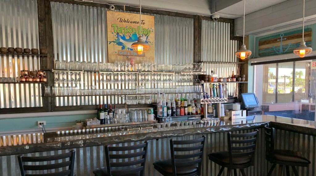 Tapon Bay Bar