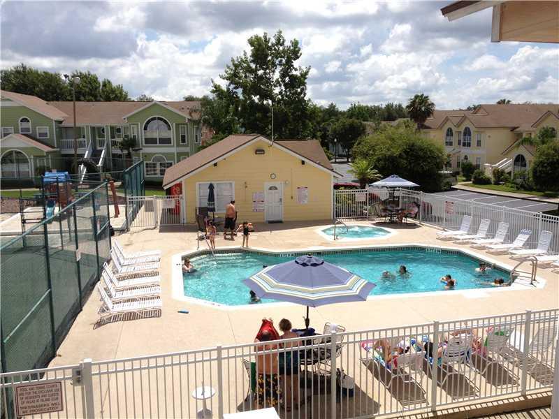 Island Club Pool