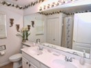 HR4P412NH-Shared-Bathroom