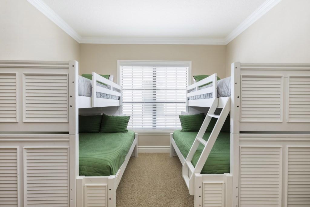 Master Bed 5.jpg