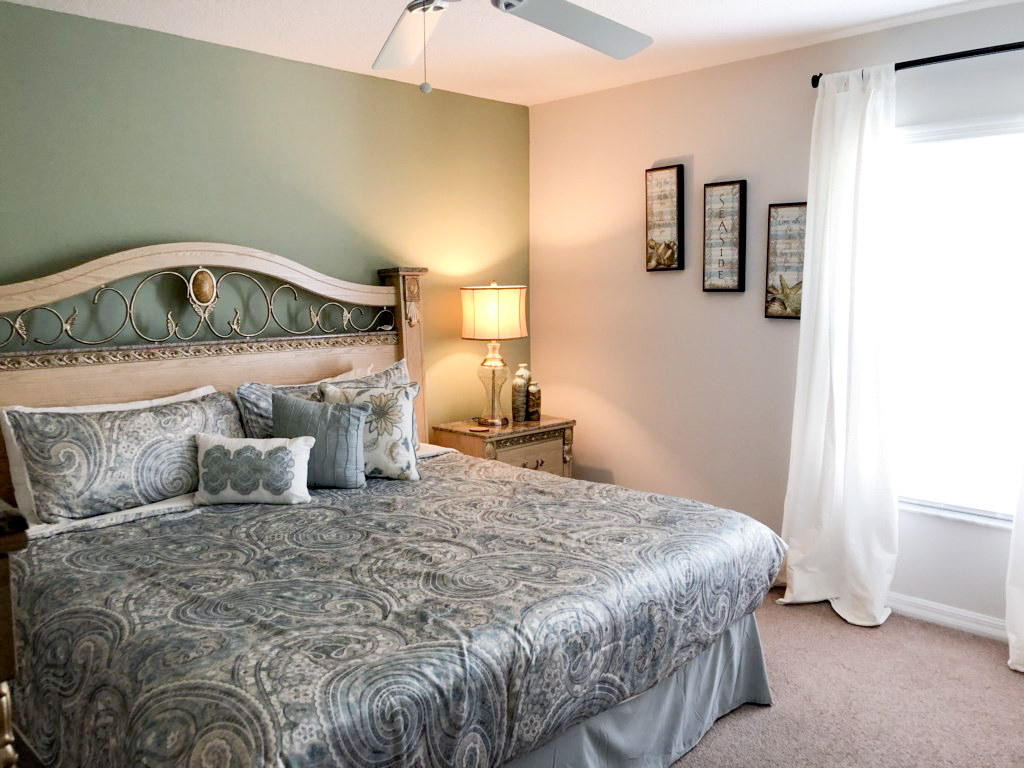 1st floor, King Master with private TV and use of semi private hall bath