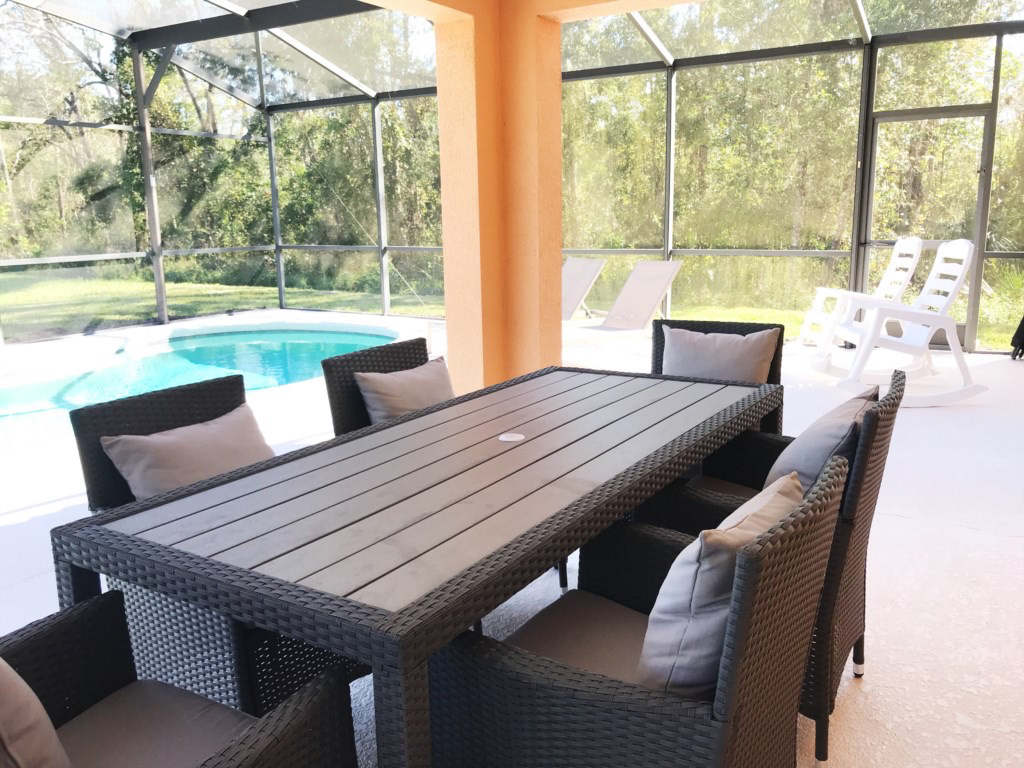Patio set for 6!