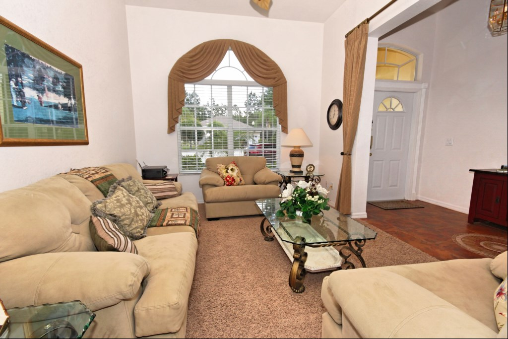 Sitting room and entrance foyer