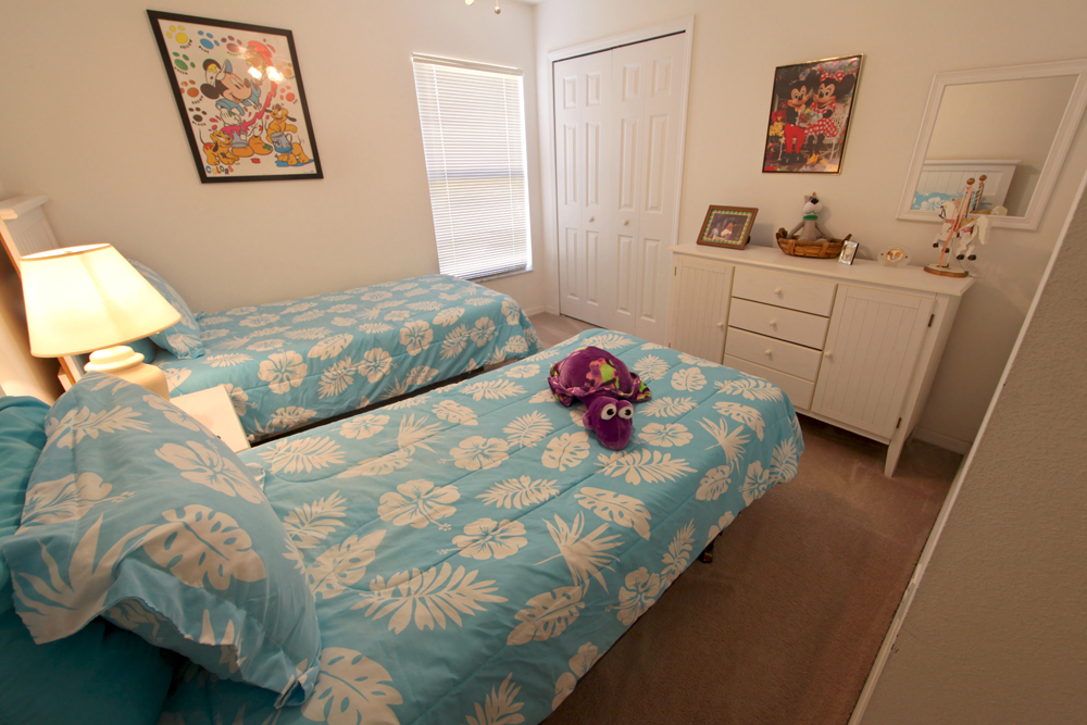 Twin-Bedroom-2.JPG
