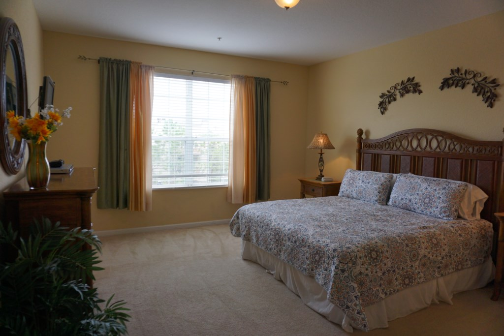 Master Bed - King with ensuite Bathroom