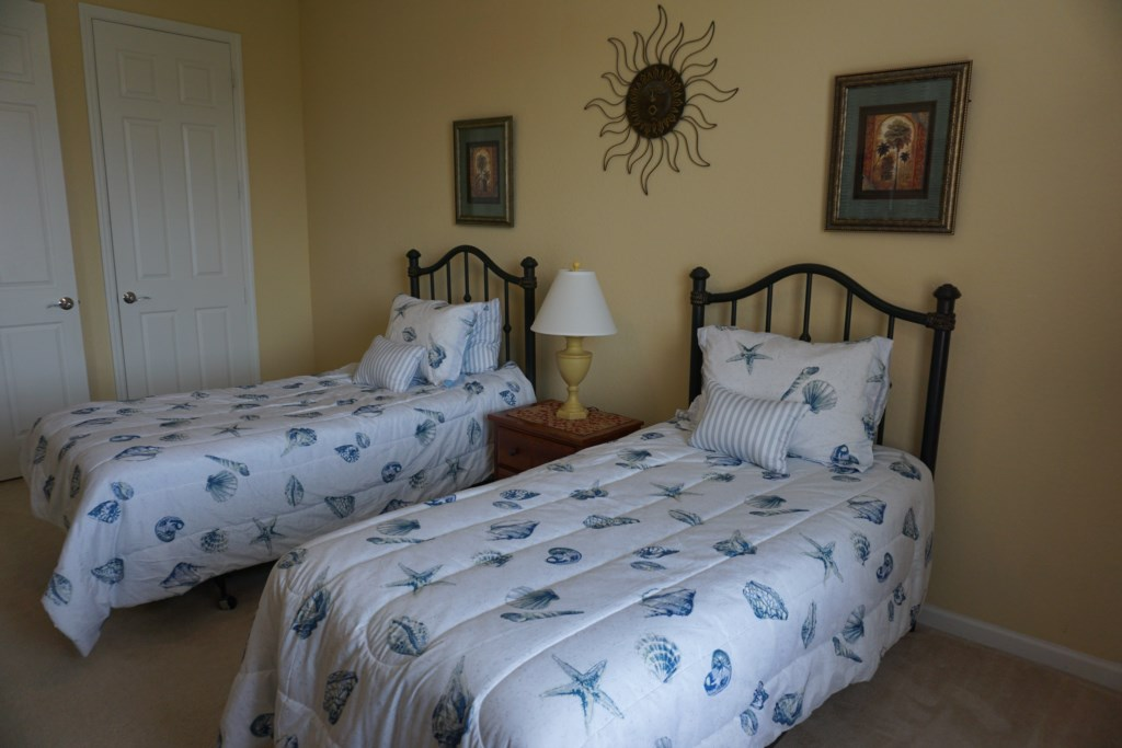 Two Twin Beds - 2nd Bedroom