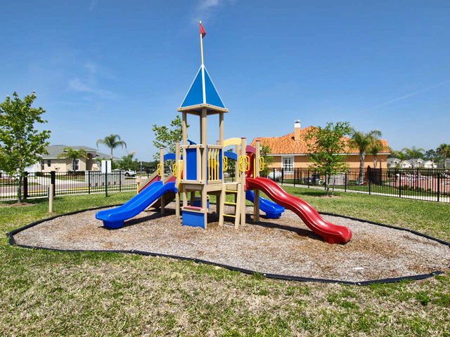 Childrend-Playground-Crystal-Cove