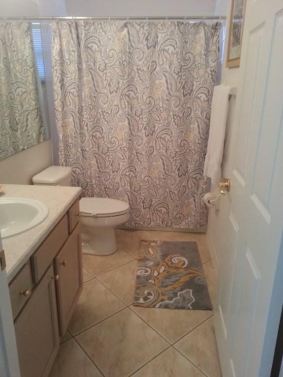 Hallway-Washroom