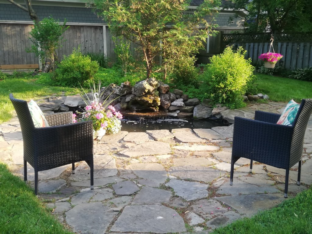 Love the outdoors at Butterfly Cottage Niagara on the Lake