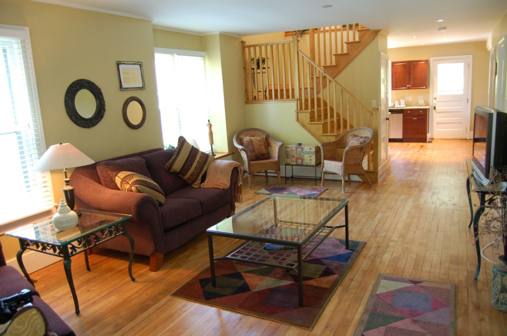 Large living room with a big screen TV, cable, and radio - Gate St Cottage - NOTL