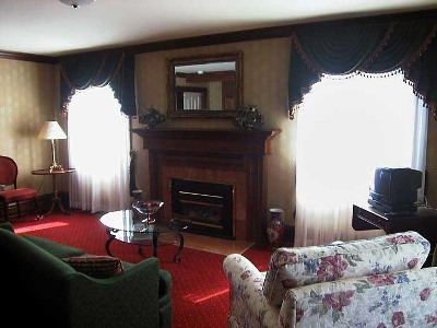 Master suite sitting area - Governor's Walk - Niagara-on-the-Lake