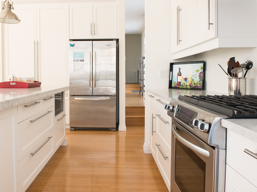 fully equipped  kitchen - Peaks on Gate - Niagara-on-the-Lake