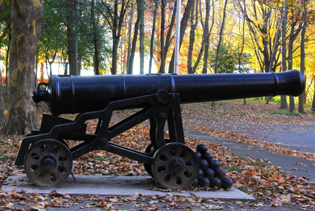 Fort George Cannon - Peaks on Gate - Niagara-on-the-Lake