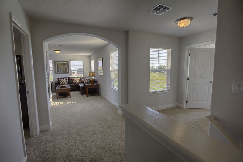 11_Open_plan_at_the_top_of_stairs_0721.jpg