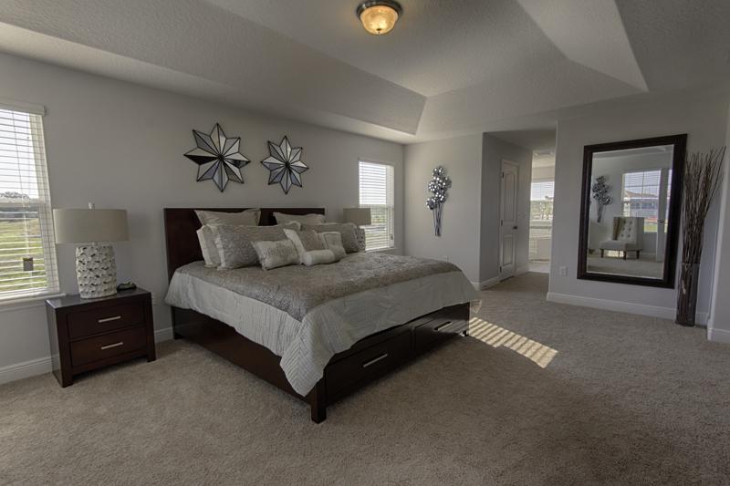 13_Large_master_bedroom_0721.jpg