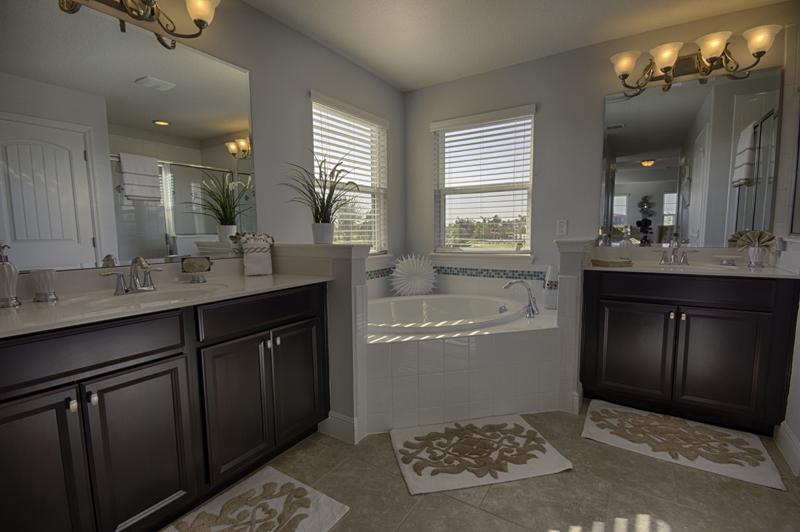 19_Luxury_En-suite_0721.jpg
