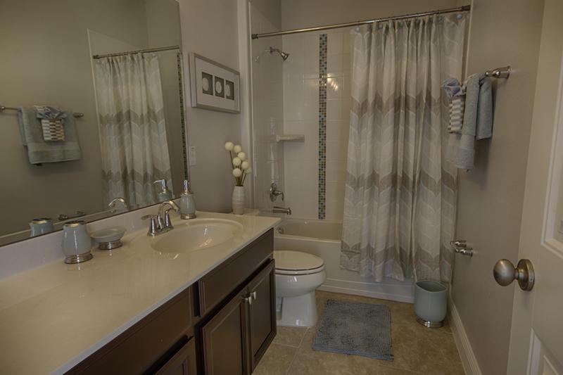 25_Bathroom_0721.jpg