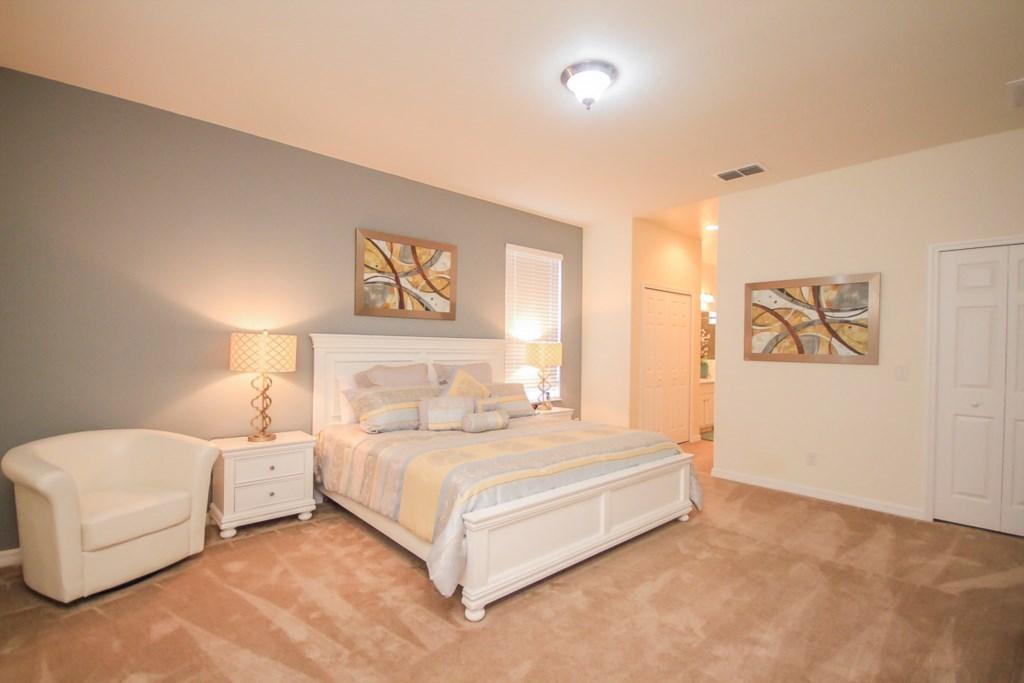 10.Master Bedroom.jpg
