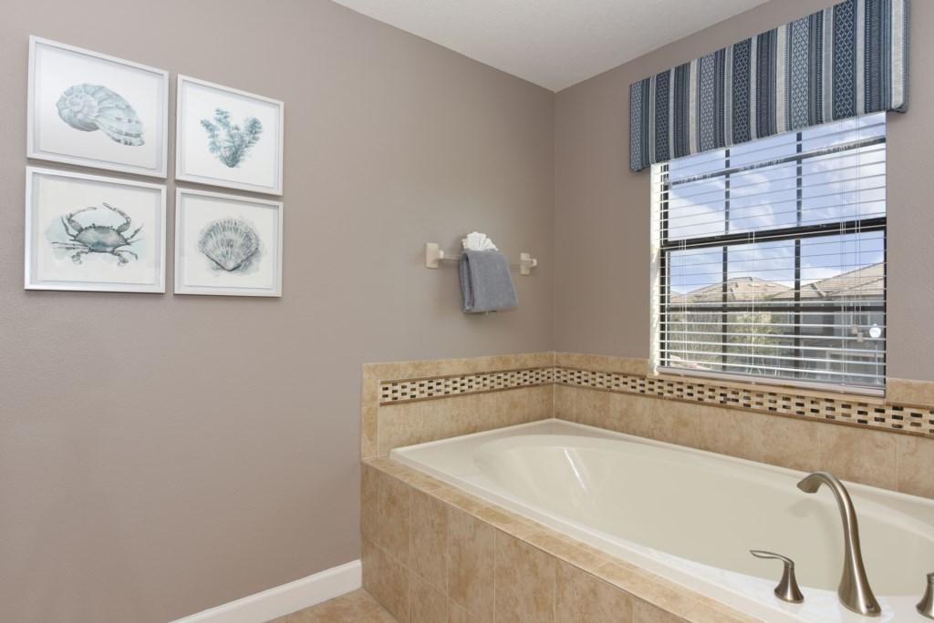 BathroomMasterTub