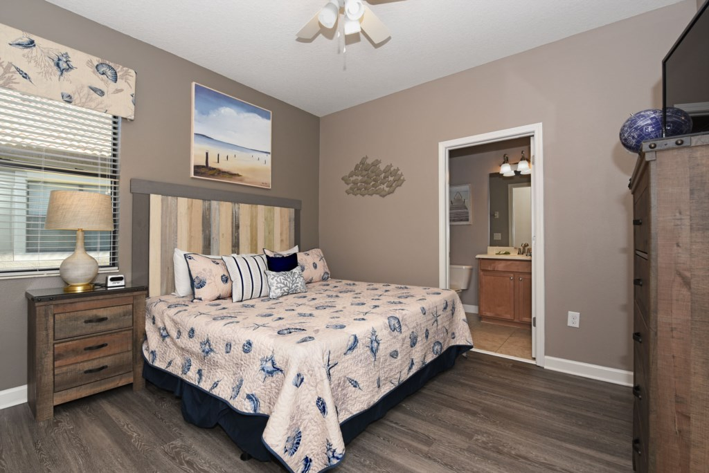 Bedroom 3 2000.jpg