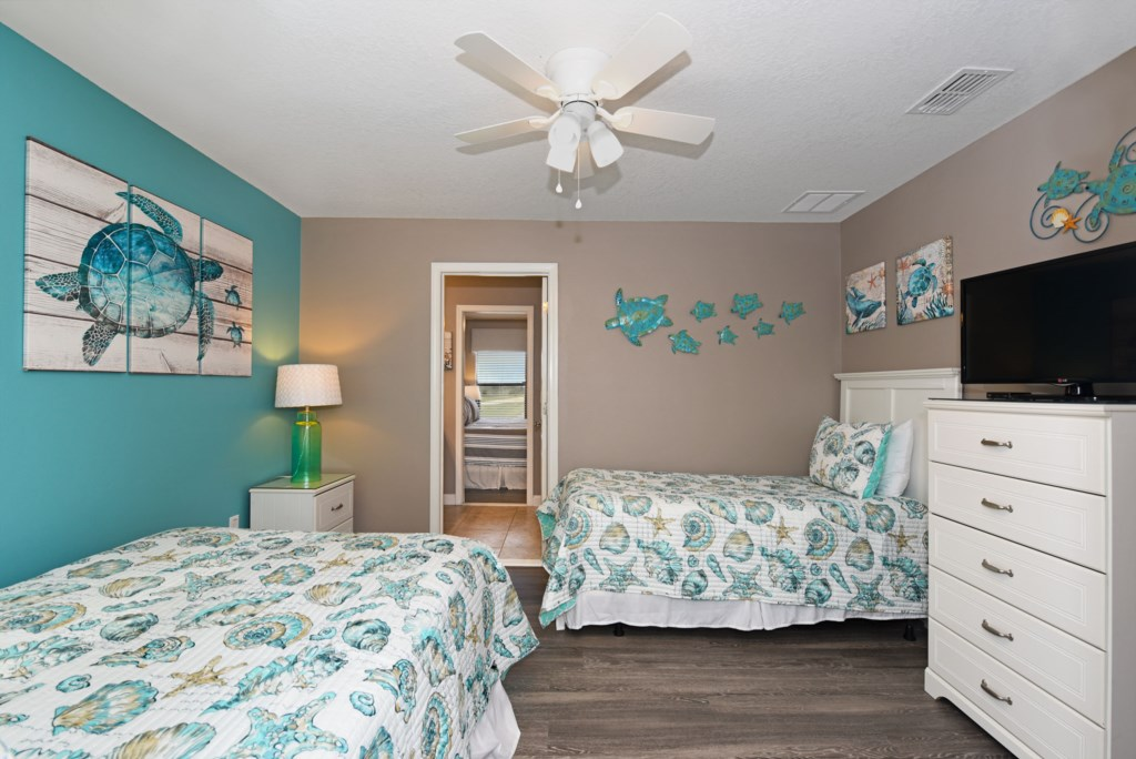 Bedroom 5 2000.jpg