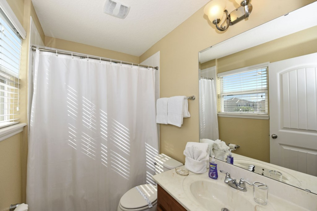 Bathroom 3 1200.jpg