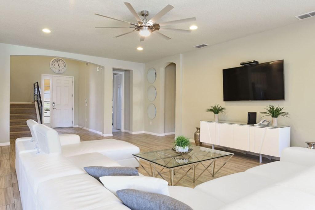 Living Room 1 1200.jpg