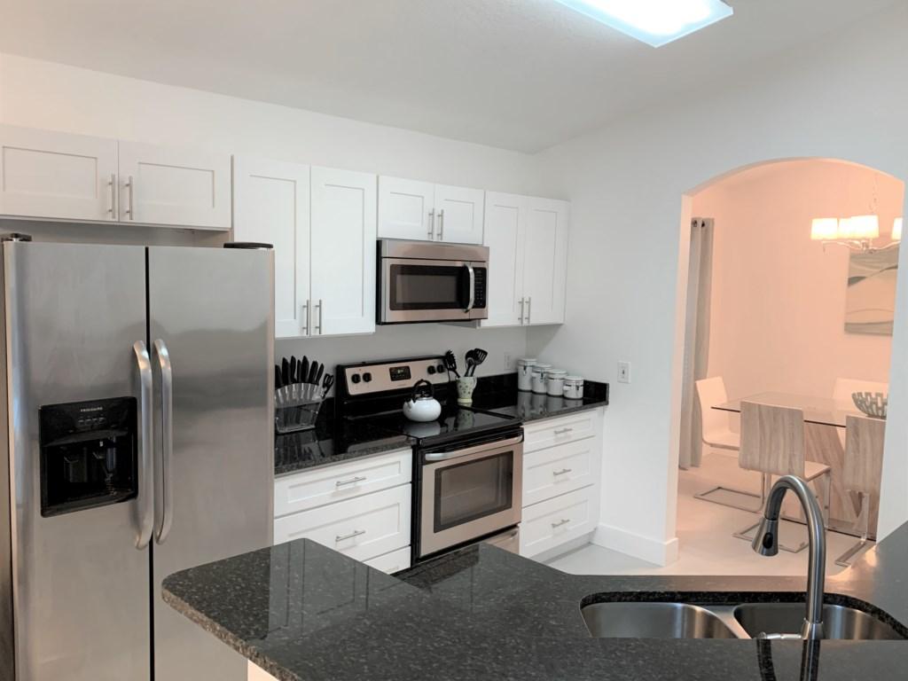 Kitchen 2 JPG.jpg