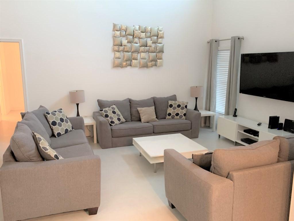 Living Room JPG.jpg