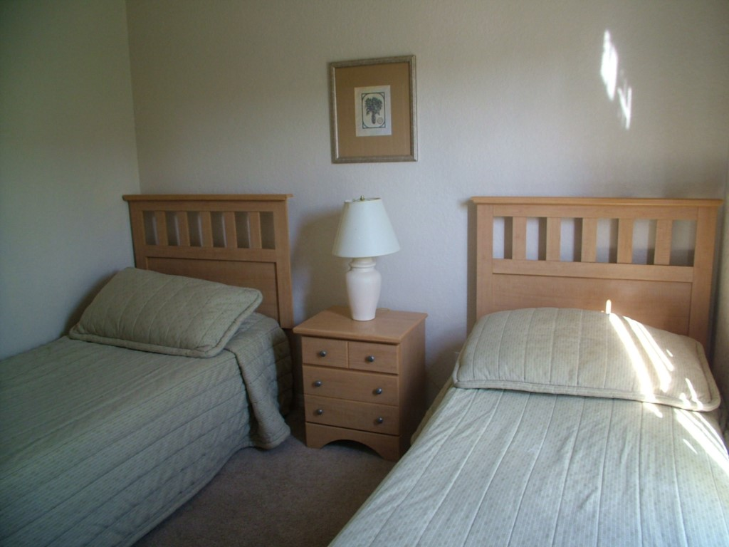 Twinbedroom1