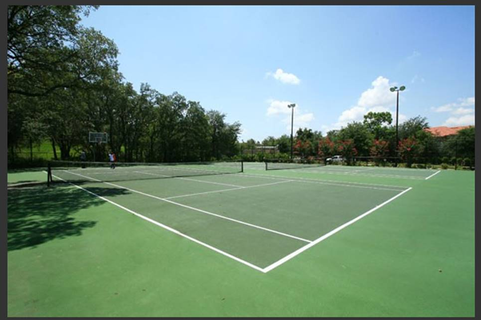 The resort has 2 tennis courts, a sand volleyball court and nature walking path