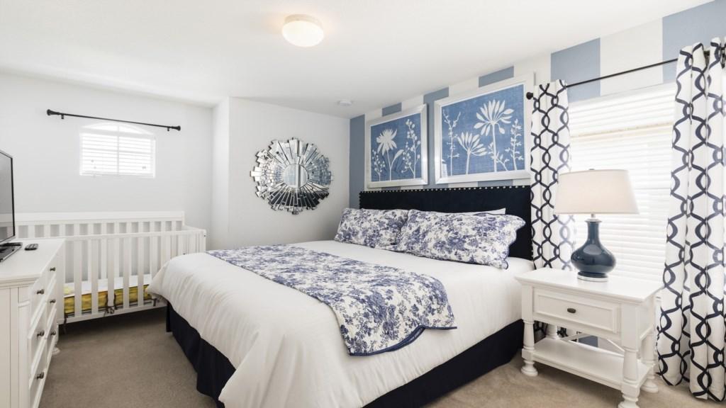 Master Bed 4.jpg