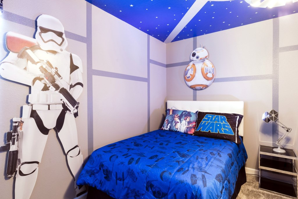 Bedroom 8-Decor.jpg