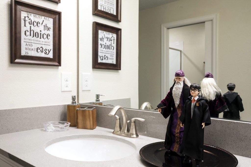 Bathroom 3 Decor.jpg