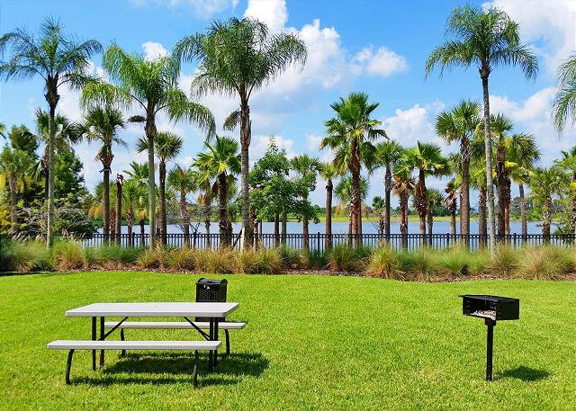 Vista Cay Common Areas