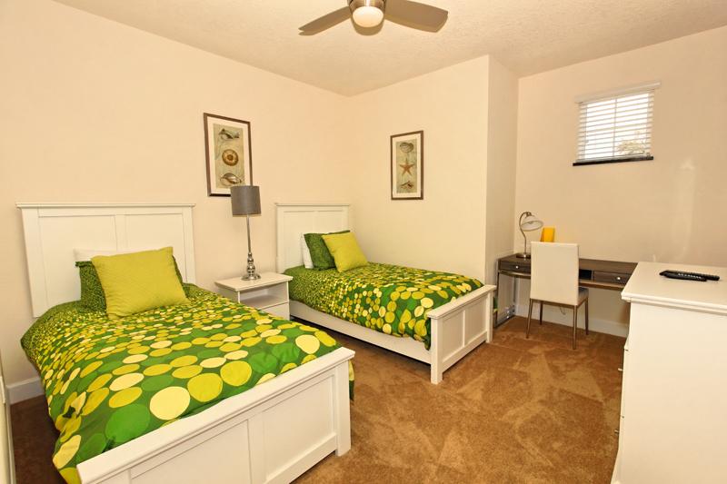11_Twin_Bedroom_0721.jpg