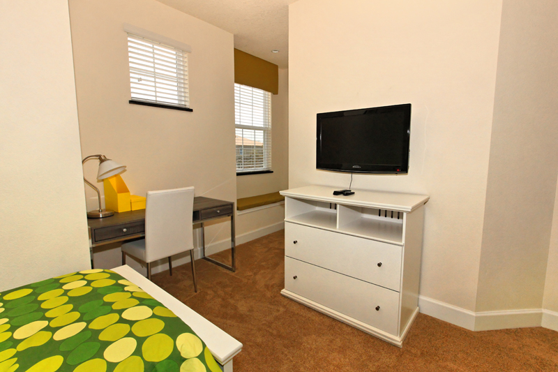 12_Twin_Bedroom_0721.jpg