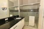 10_Bathroom_0721.jpg