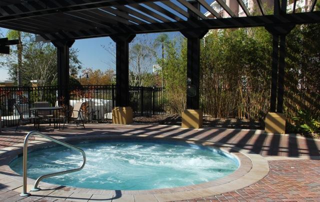 d Hot tub.jpg