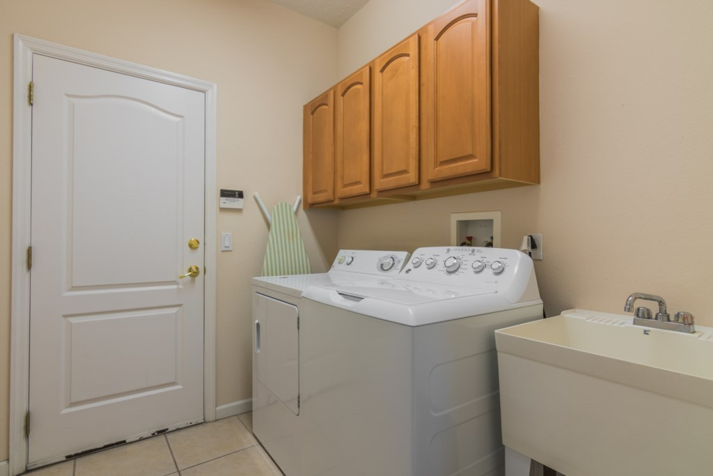 Pineview Highlands Reserve Villa - Laundry Room
