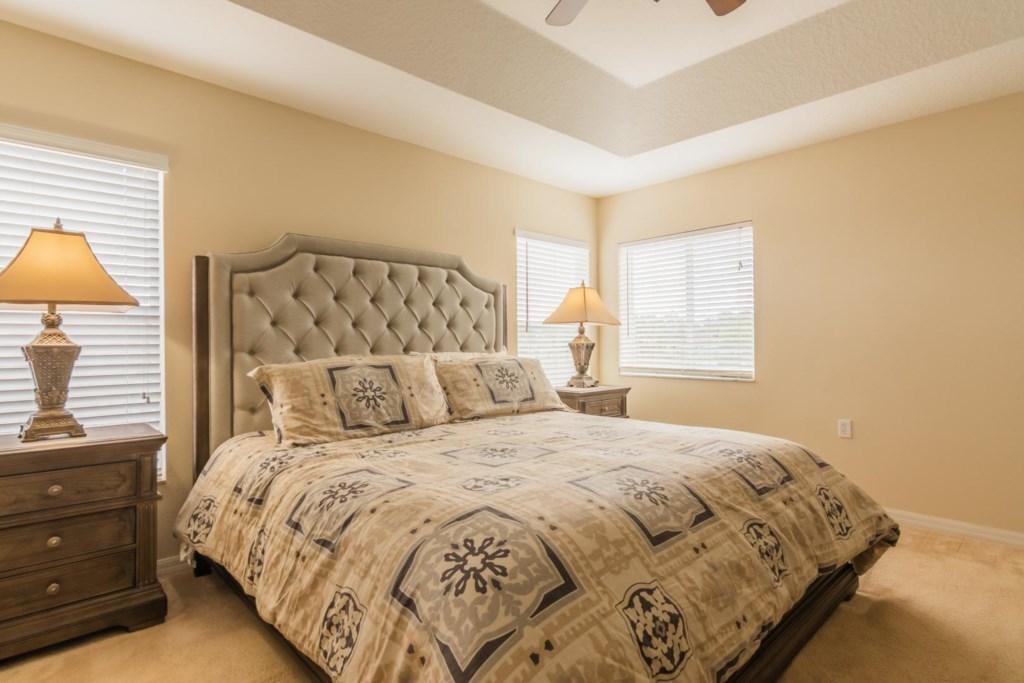 Stephen's Highlands Reserve Villa - Master Bedroom w/ King Bed (1)