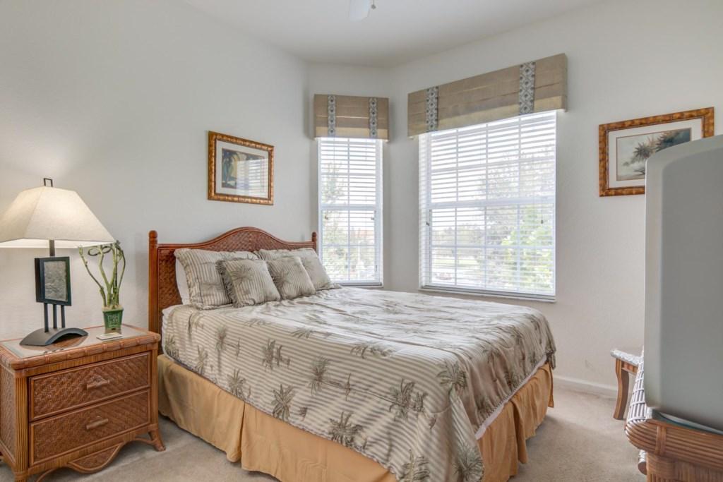 Martin's Windsor Hills Codo - Bedroom 2 w/ Queen Bed (2)