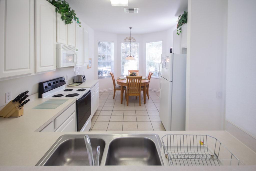 Kitchen Area & Breakfast Nook