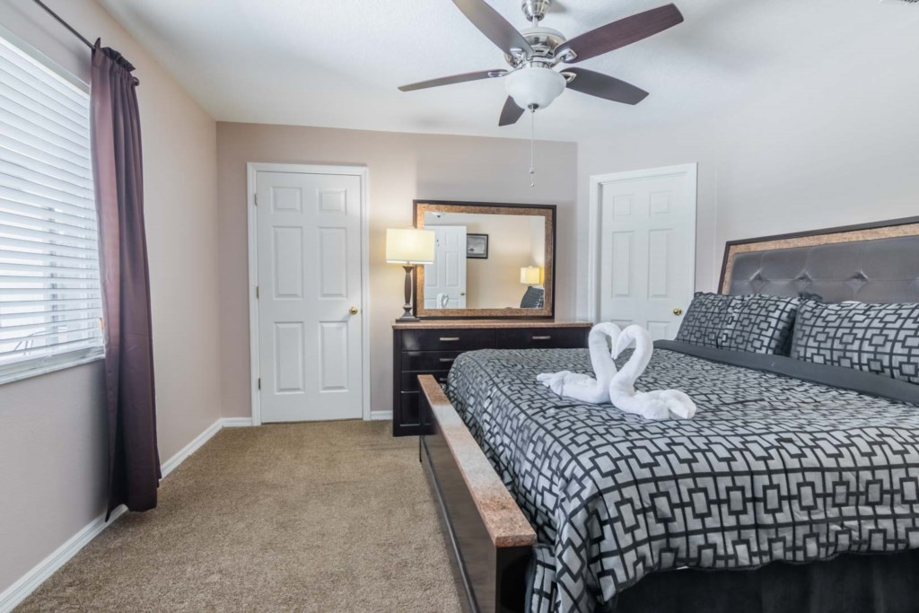 Heavenly Venture - Master Bedroom w/ King Bed (2)