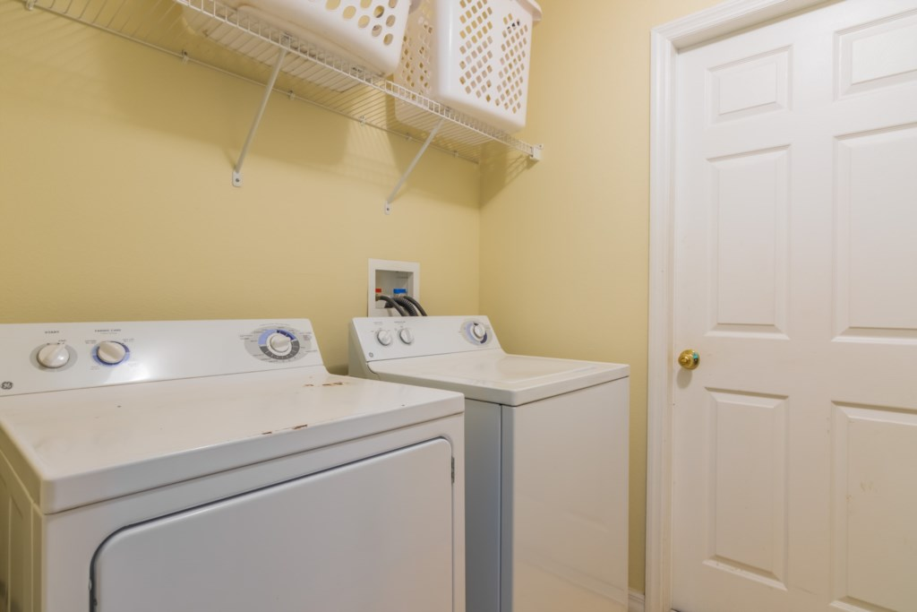 Mark's Sunrise Lakes Villa - Laundry Room